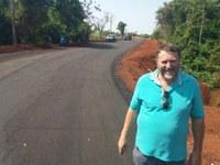 Hélio comemora pavimentação de rua que liga Vila Nazaré ao Jardim Tapirapuã