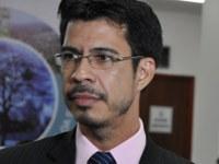 Professor Sebastian cobra reativação da Horta Medicinal do Município